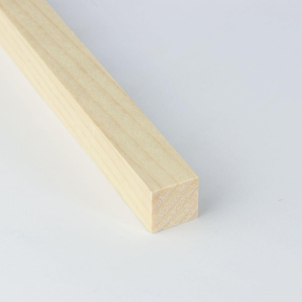 LESENE LETVE SMREKA 15x15mm 2M