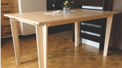 Jedilna miza iz vezane plošče